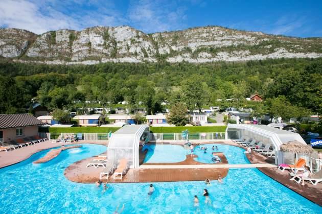 Aerial piscine Camping Les Fontaines